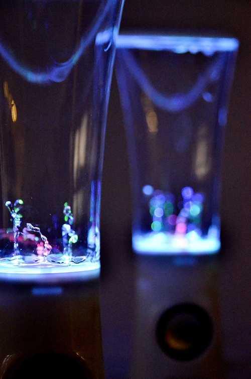 HAUT-PARLEURS WATER DANCE SYTEME 2.0 PUISSANCE 3 WATTS RMS BLANC dsc4919