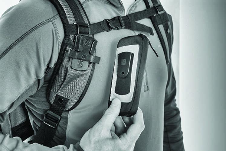 CLIP SMARTPHONE ETUI AVEC CLIP POUR SANGLE ECRAN MAX 5.7'''' 0