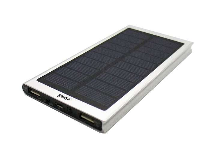 CHARGEUR SOLAIRE HYBRIDE - 8000mAh 2,1A + 1A 15V - Fonction Lampe torche. Bouton on-off - LED 0