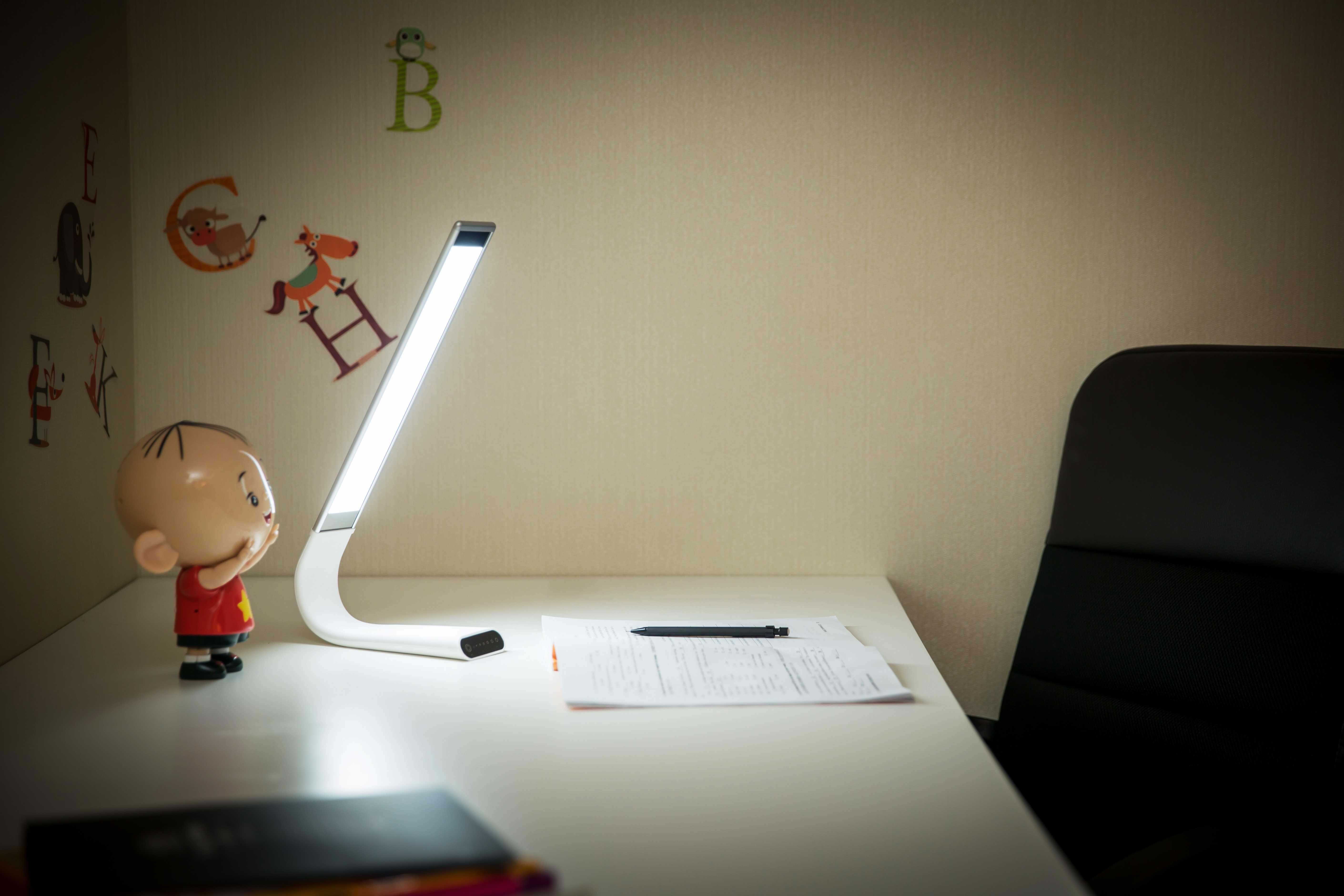 Lampe led serflex de bureau en silicone ° rechargeable noriak